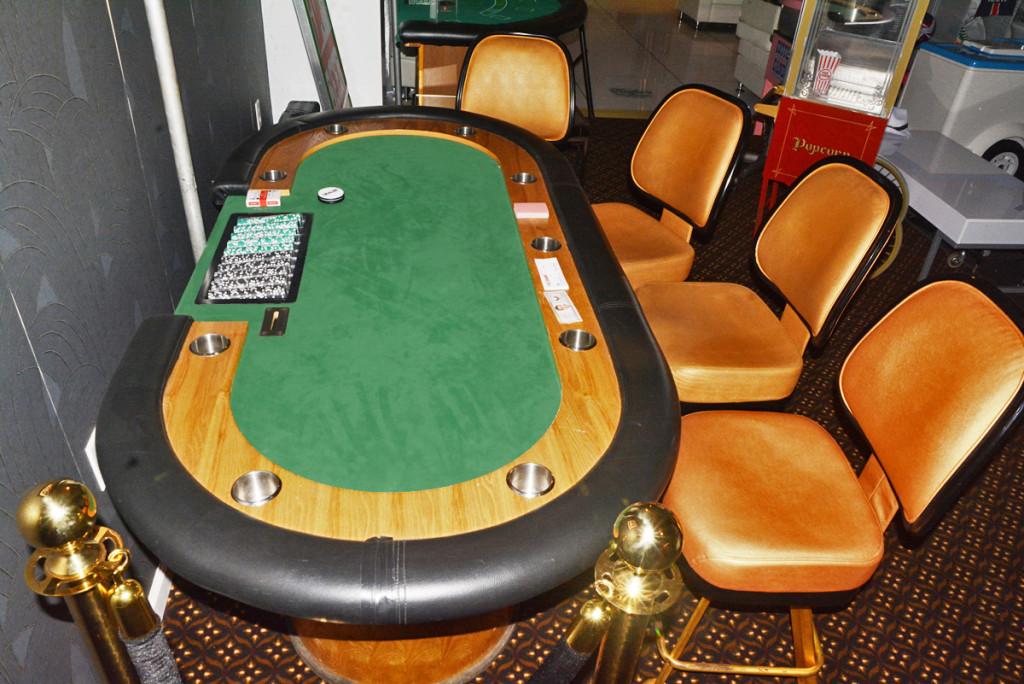 poker-chair-rental-ny