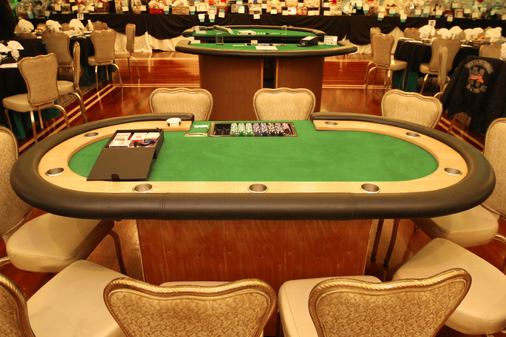 poker-table-rental