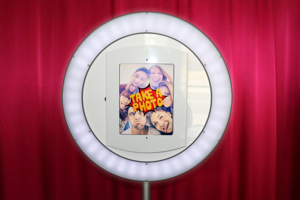 ring-light-photo-booth-rental